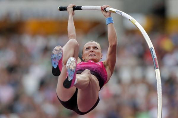 La campionessa del mondo di asta Anna Rogowska ha corso l'intera maratona di Varsavia