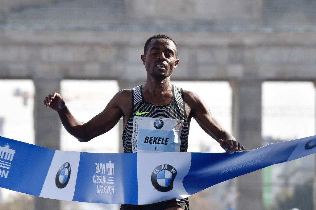 "Kenenisa Bekele vince la Maratona di Berlino in 2h03'03"", Aberu Kebede prima fra le donne"